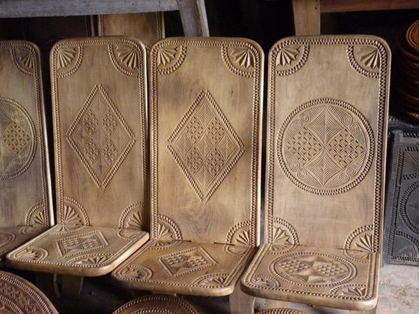 ART DE MADAGASCAR - Le travail du bois chez les Zafimaniry